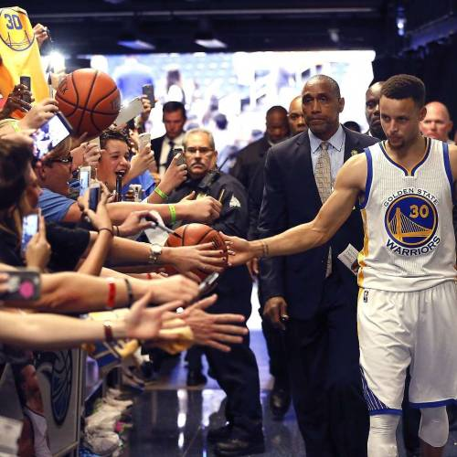 Steph Curry launches start-up to assist fan engagement
