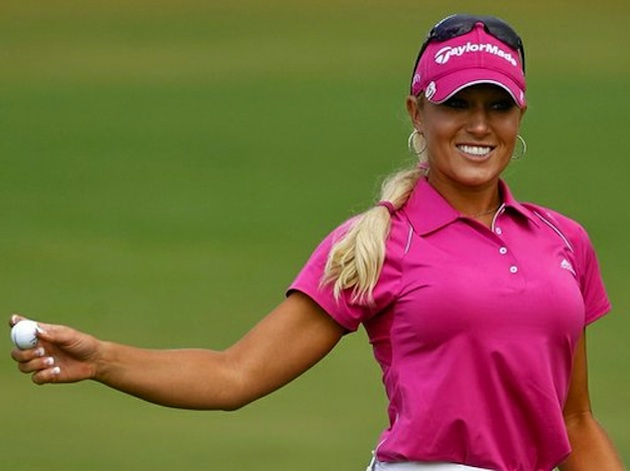 LPGA Tour to Show Twitter Handles on Caddie Bibs