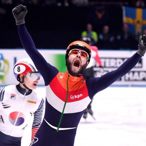 Samsung give two Dutch speed skaters access to SmartSuit in bid to win gold